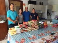 """Casa de Acolhida Santa Bernarda recebe doação de alimentos do """"Futebol Solidário"""""""
